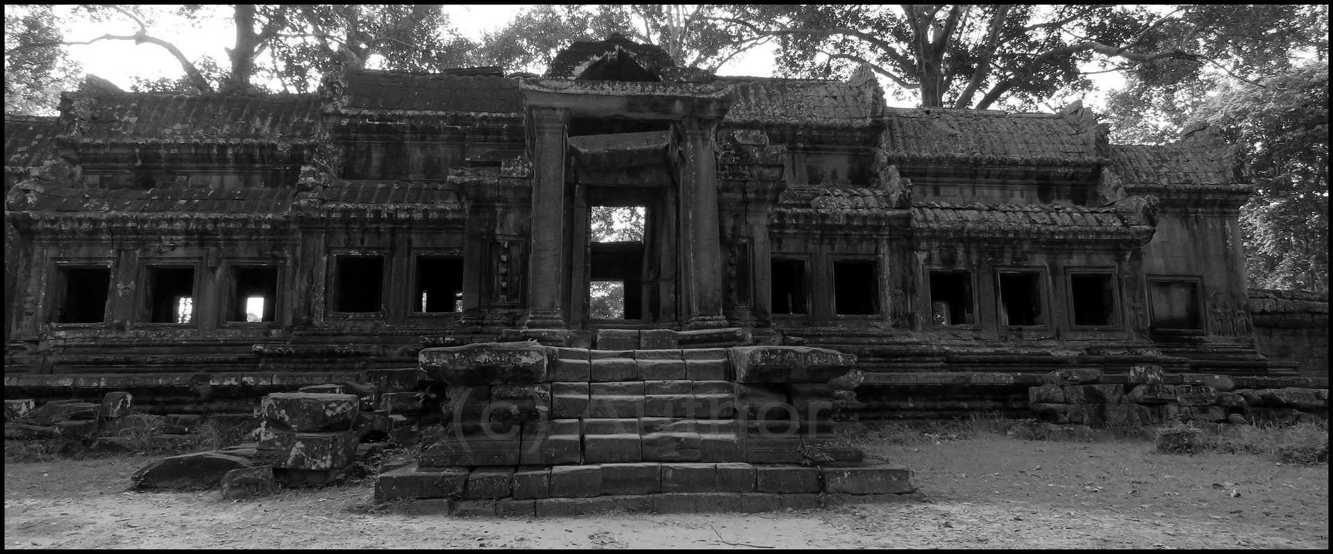 3_PI_Remains Of Angkor Wat Entrance_Bianca Holburn