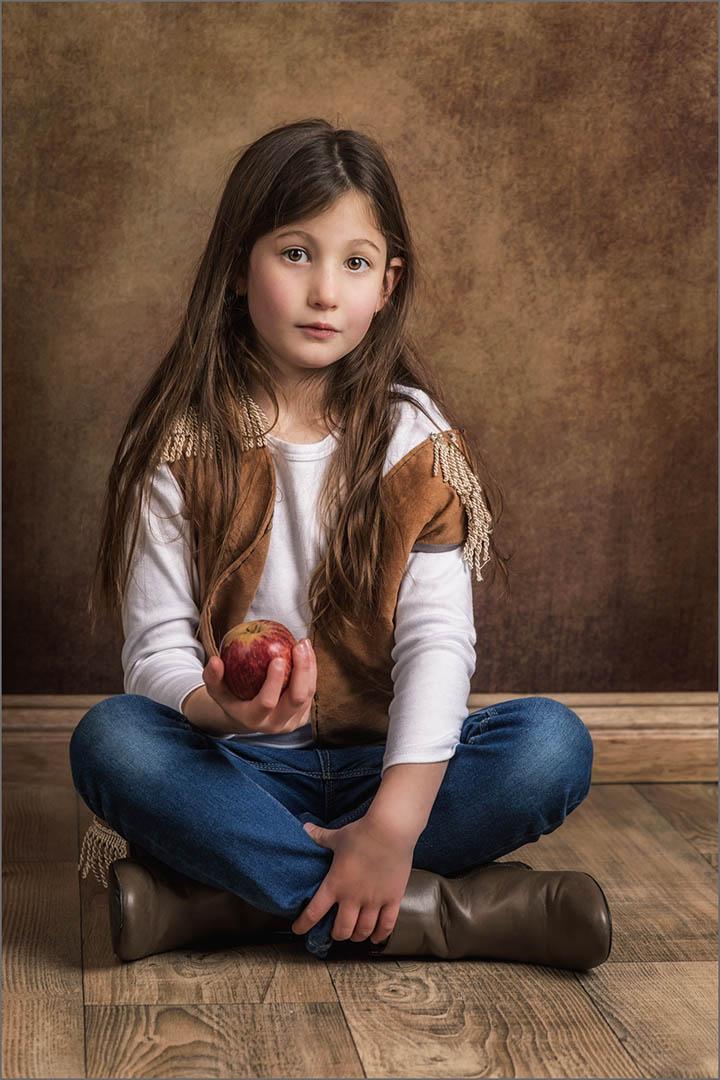 4_PI_Kayla and her Apple _Stephen Kangisser
