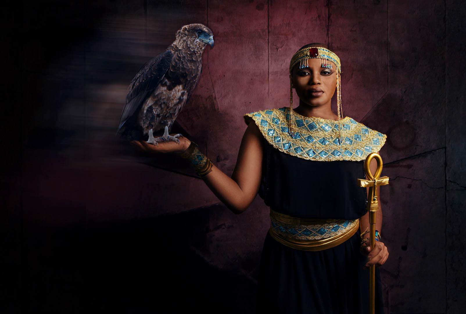 5_PI_Lady and the Eagle_Hanli Smit